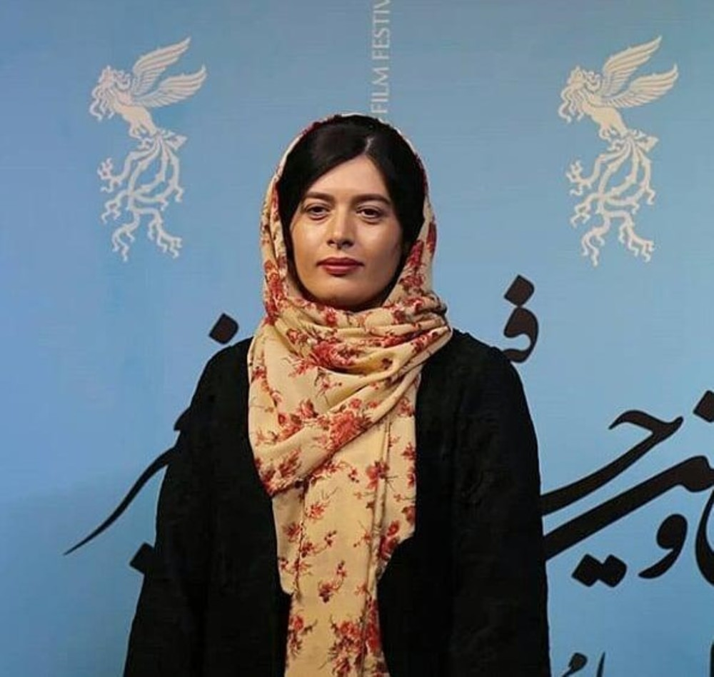 ژیلا شاهی در اکران فیلم «قصر شیرین» در سینما چارسو در جشنواره فیلم فجر 37