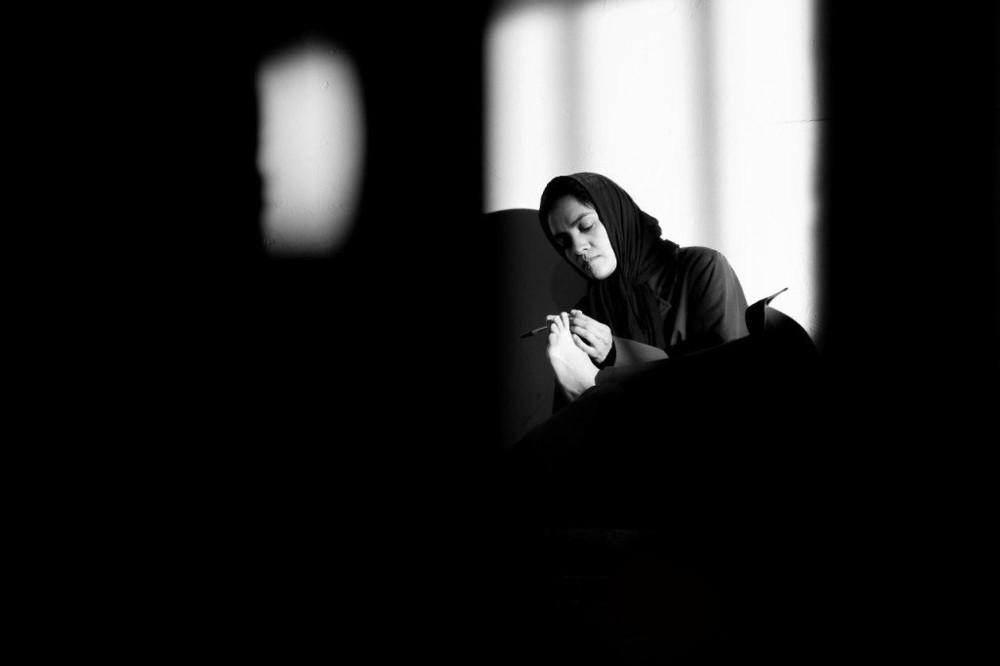 میترا حجار در نمایی از فیلم «یادم تو را فراموش»