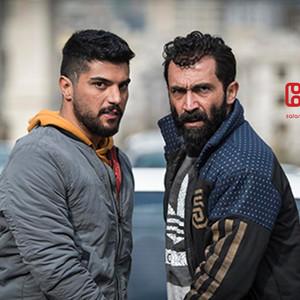 هادی حجازی فر و سینا مهراد در «ژن خوک»