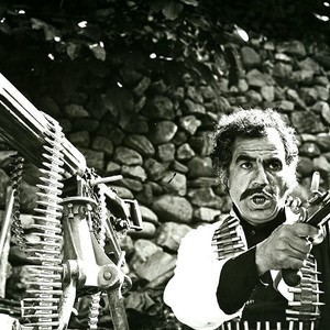ناصر ملک مطیعی در فیلم «شیخ صالح»