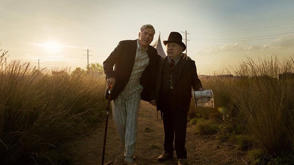 دنی دوویتو و مایکل کیتون در فیلم سینمایی «دامبو» (dumbo)