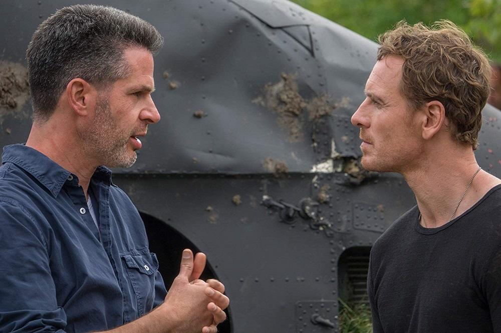 سیمون کینبرگ و مایکل فاسبندر در پشت صحنه فیلم سینمایی مردان ایکس: ققنوس سیاه (X-Men: Dark Phoenix)